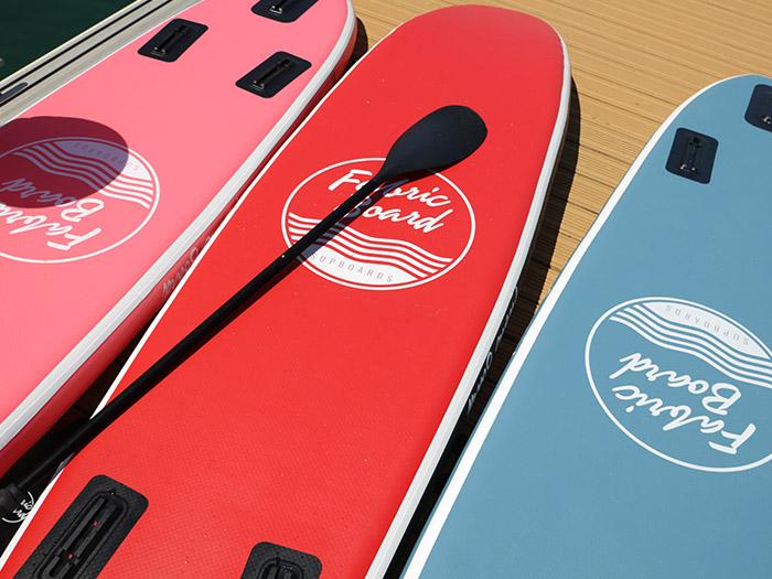 Supboard con diseño minimal en varios colores